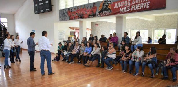 Firman contrato los 180 beneficiarios del Programa de Vivienda Municipal