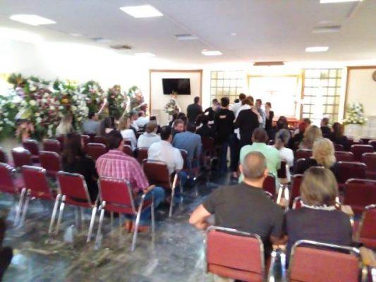 """Velan en capilla """"Manuel Acuña"""" de funerales Loya a Uriel Ulberto Loya Deister"""