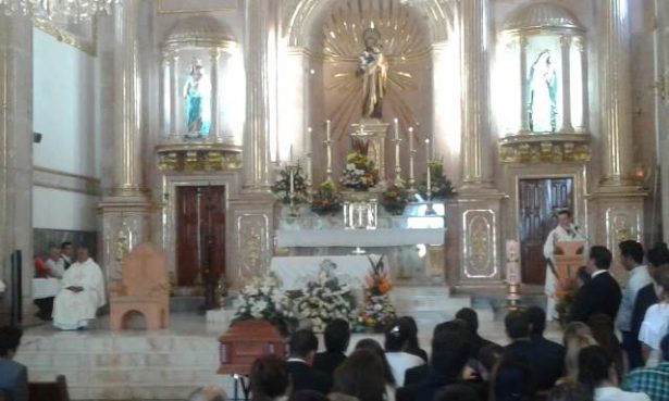 (Videos) Realizan misa a Uriel Loya Deister, presidente COPARMEX