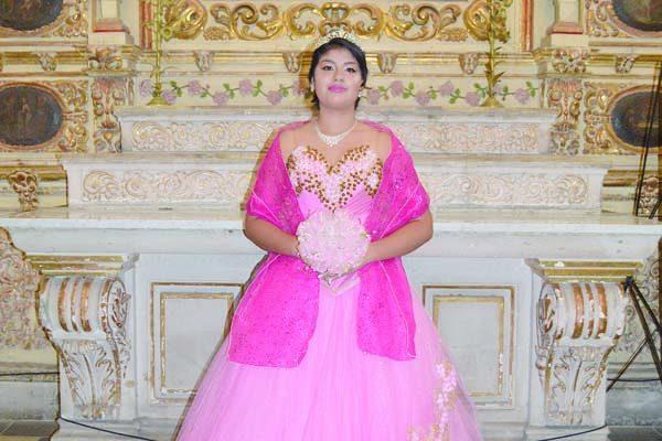Celebra XV años Lizbeth Carolina Jiménez