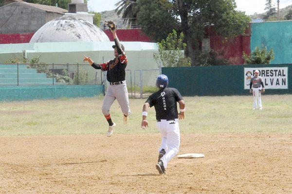 GR debutó con triunfo en la Liga Invernal de Beisbol