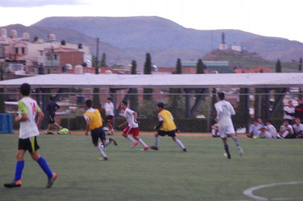 Gran concurrencia de parralenses, en visorias del Club Monterrey de futbol