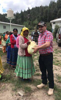 Reconoce Arturo Medina a las mujeres rurales de Balleza