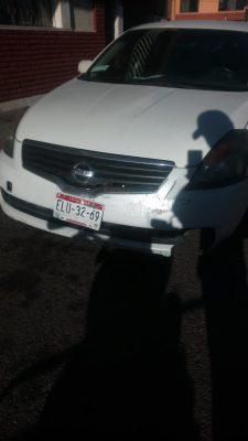 Se incrusta en la parte trasera de un vehículo justo en la calle Emiliano Zapata