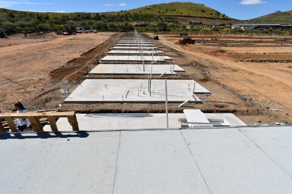 """Se han concluido 102 planchas de cimentación en el fraccionamiento """"La Fortuna""""."""