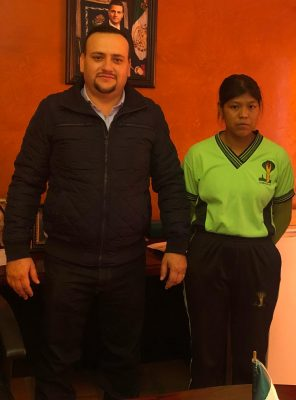 Juanita es el vivo ejemplo del talento tarahumara que hay en Balleza