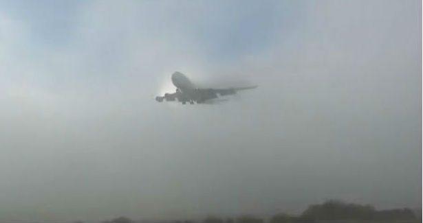 Se cancelan vuelos en los tres aeropuertos de la localidad, debido a la densa neblina que trajo el frente frio número 6.