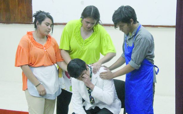 """Alumnos de Conalep Presentan la obra """"¿El chorizo hace la diferencia?"""""""
