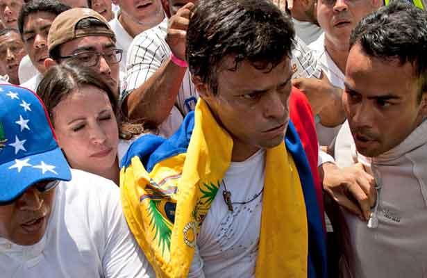 Gobierno venezolano inicia diálogo con líder opositor Leopoldo López