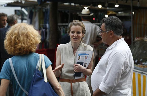 Hombre agrede a diputada francesa durante campaña electoral