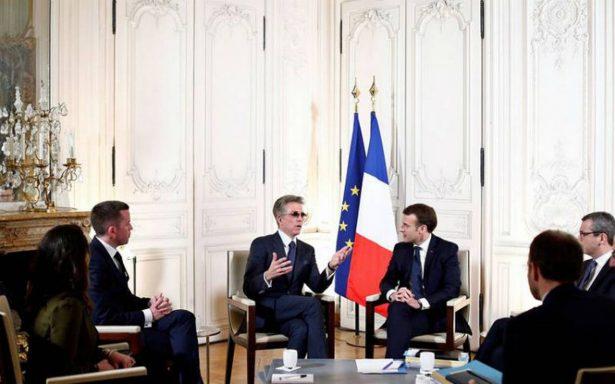 Macron recibe a empresarios en Versalles antes de partir a Davos