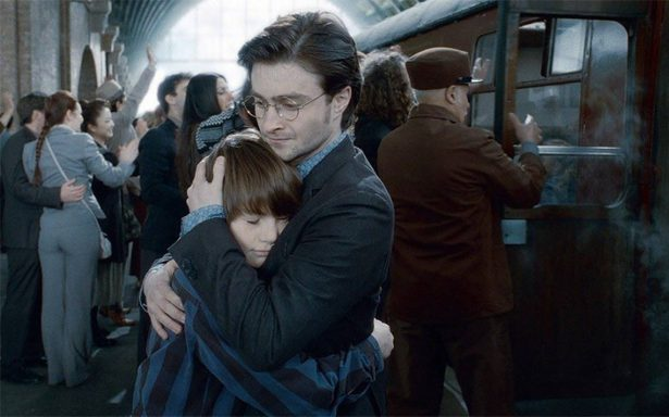 #19YearsLater: celebran partida del hijo de Harry Potter a Hogwarts