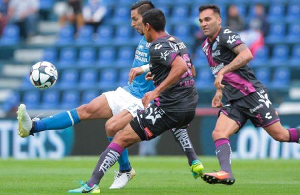 Con gol de último minuto, Puebla hunde a Cruz Azul