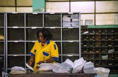 Renace el correo tradicional en el Congo