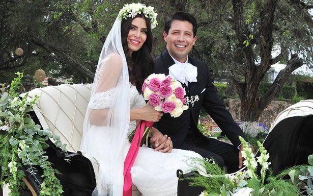 Tania Ladeiro y Rodrigo Alpízar unen sus vidas en un romántico enlace