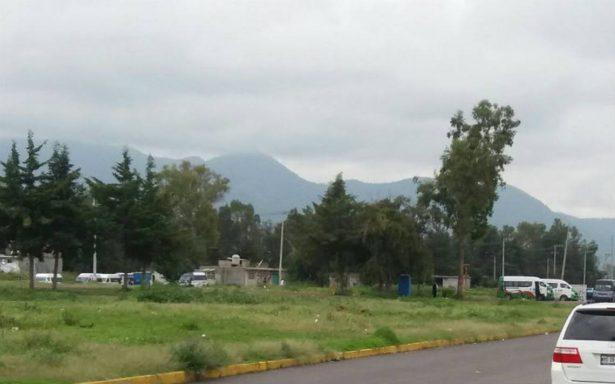 Descubren toma clandestina en pleno fraccionamiento de Cuautitlán