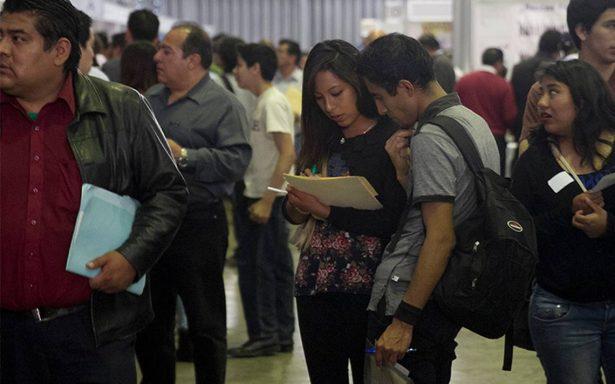 Capacitan a jóvenes con bachillerato para conseguir empleo
