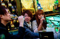 Donjuanes nipones hacen su agosto con generosas damas