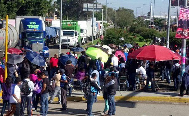 Recuerdan Nochixtlán  con bloqueos en Oaxaca