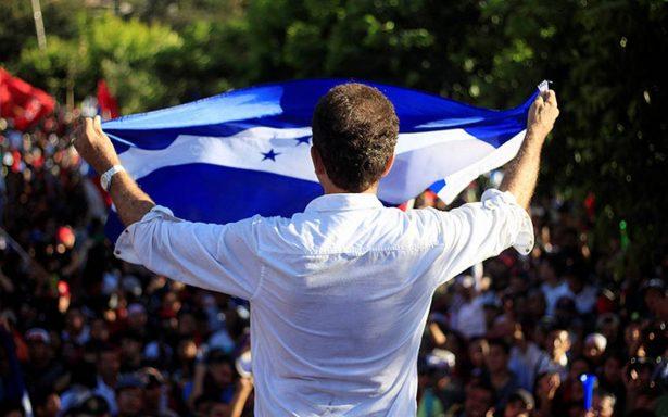 Presidente de Honduras acaricia reelección; oposición denuncia fraude