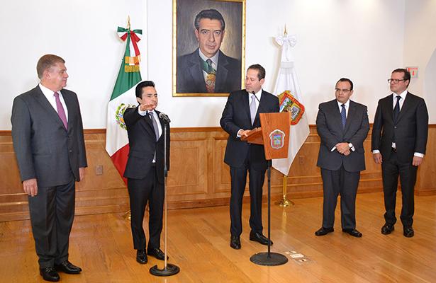 Designa Eruviel Ávila a  Erasto Martínez, jefe de la Oficina de Gubernatura