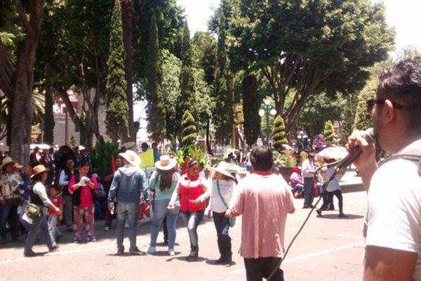 Bloquea 28 de Octubre calles del Centro Histórico