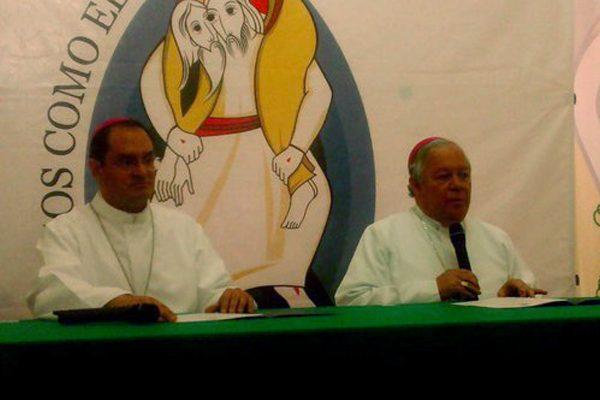 Pide arzobispo de Puebla a candidatos no defraudar confianza de poblanos