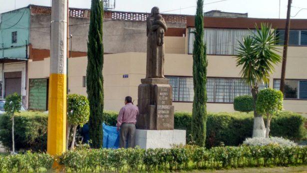 Se suicida en el Monumento a la Madre