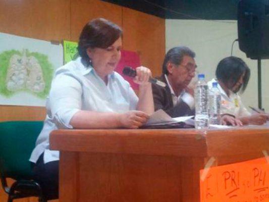 Se comprometen tres candidatos  a derogar la concesión del agua