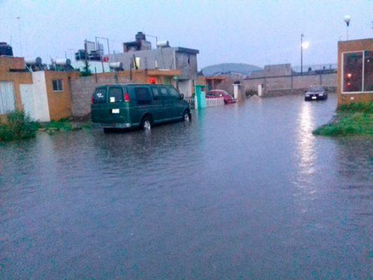 Tromba en Amozoc deja inundaciones