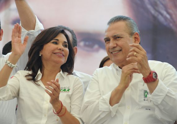 Acusa Alcalá al PAN de gastar más de mil millones de pesos en campaña