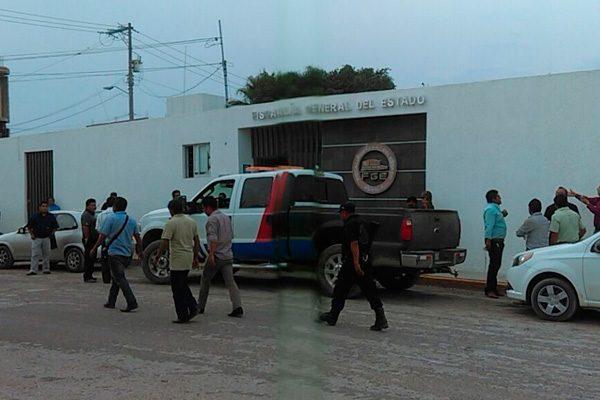 Detienen a diputado por coaccionar el voto en Tlacotepec