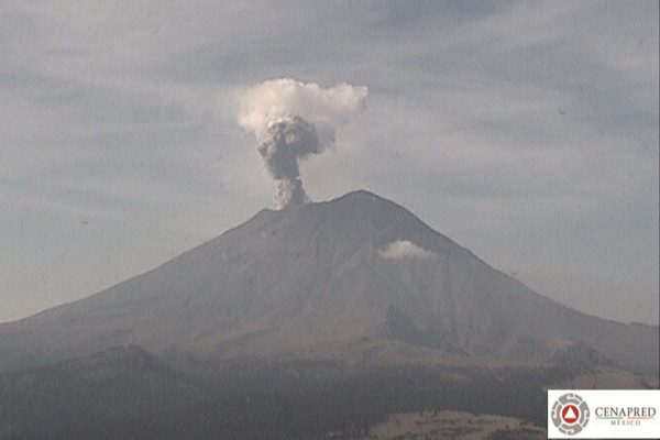 Popocatépetl emite 78 exhalaciones