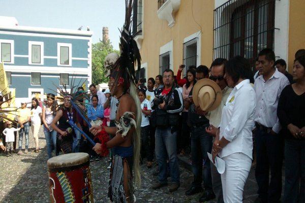 Con chamanes, Roxana Luna quiere expulsar malas vibras de Casa Aguayo