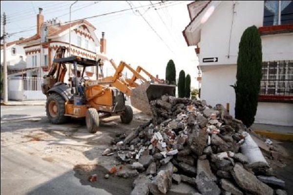 Retiran escombro en Valle Dorado, permaneció ahí por un mes