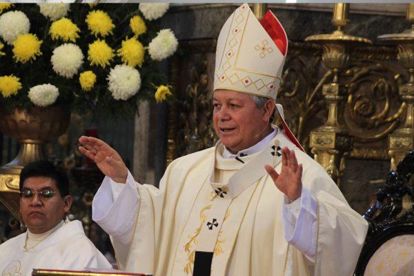 Arzobispo de Puebla pide diálogo en conflicto magisterial de Oaxaca