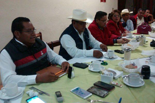 Antorchistas exigen construcción de hospitales, médicos y medicinas