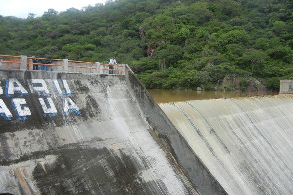 """Pobladores detectan fisuras en la presa """"Boqueroncito"""" en Tehuitzingo"""