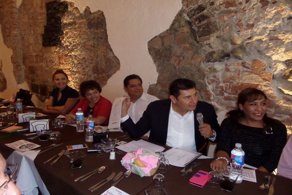 PRI no aprende a ser una verdadera oposición: Armenta Mier