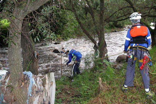 Incesante búsqueda de menor en río Atoyac