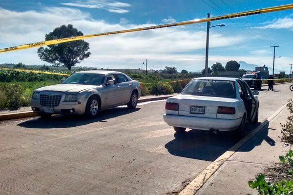 Recuperan dos autos robados en hotel de Tianguismanalco