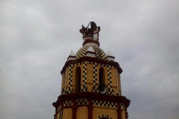 Rayo fulmina cúpula del templo de San Miguel en Huejotzingo