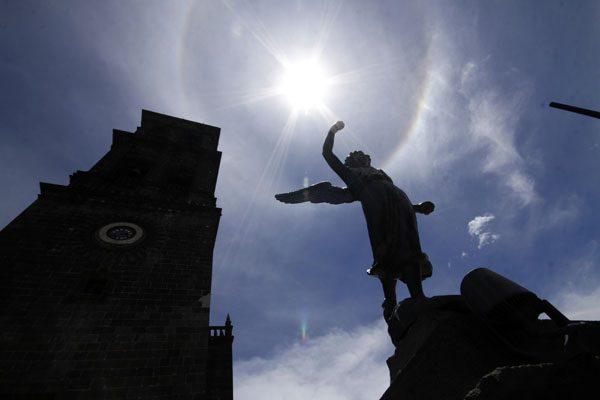 Halo solar sorprende a poblanos y turistas