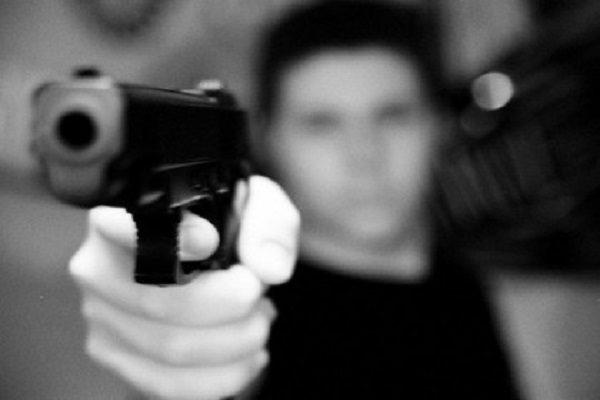 A mano armada, asaltan a pasajeros de la Ruta 72 A; policías hicieron caso omiso