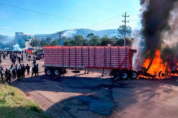 Conflicto en Oaxaca causa daños económicos en Puebla