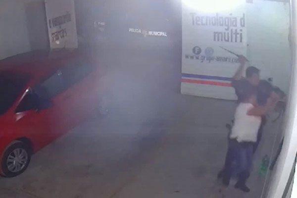 Denuncian a policías por agredir a familia en Tehuacán