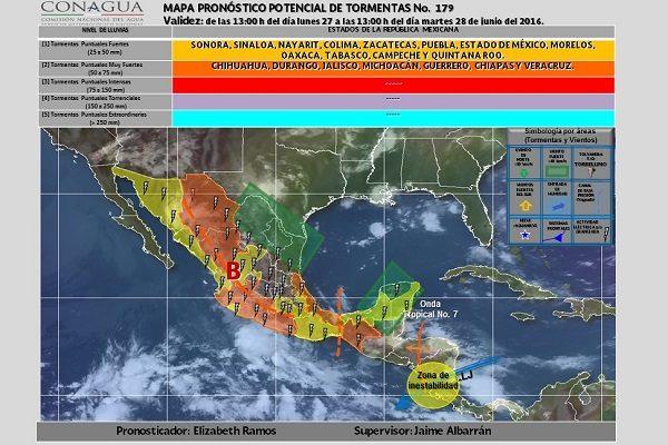 Lluvias nocturnas en Puebla por la onda tropical No. 7