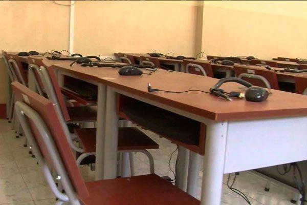 Arrasan con todo, ladrones roban equipos de cómputo en escuela