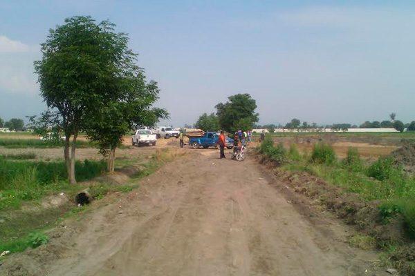 Campesinos piden a constructora reparar canales de riego en SMT
