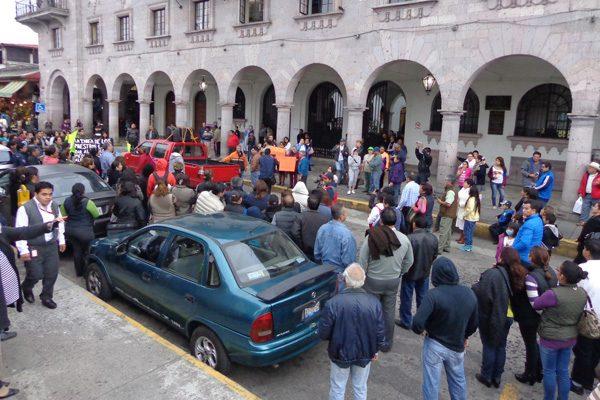 Marchan en Teziutlán en apoyo a magisterio de Oaxaca